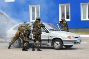 Захват автомобиля сотрудниками ОМОН