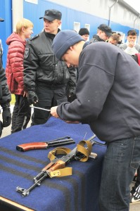 Сборка и разборка автомата на Кубке ОМОН