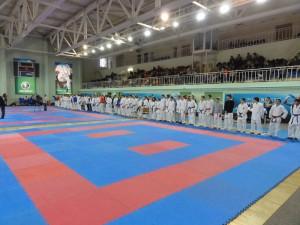 Собралось более 200 спортсменов по каратэ со всей России в Орле